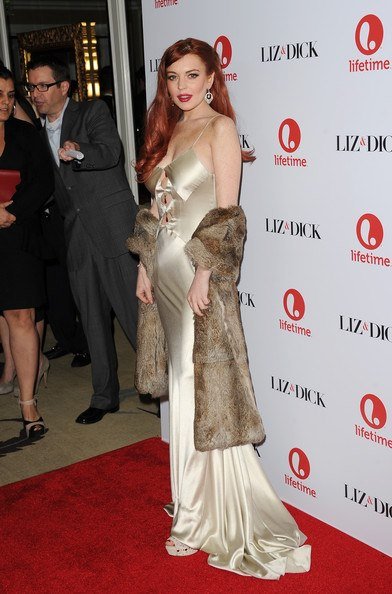 Lindsay Lohan Wears Fur on Red Carpet