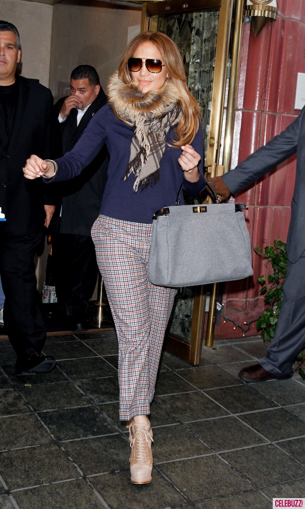 Jennifer-Lopez-Leaves-Hotel-in-NYC-614x1024