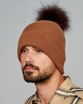 Reeves Beanie Hat with Finn Raccoon Pom Pom in Brown