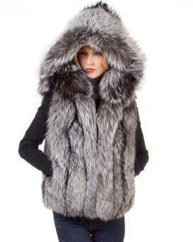 The Brynn Silver Fox Fur Vest with Collar for Women